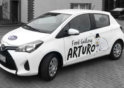 Arturo - druk i oklejenie samochodu osobowego