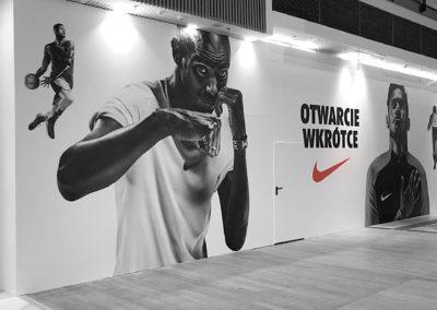 Nike - druk i oklejenie ściany w galerii