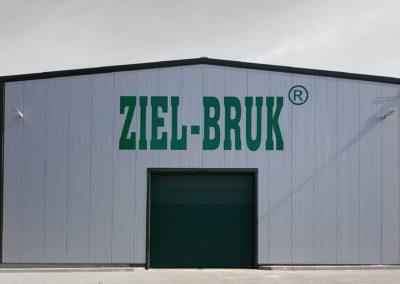 Ziel-Bruk - logo na hali - wycinanie, montaż